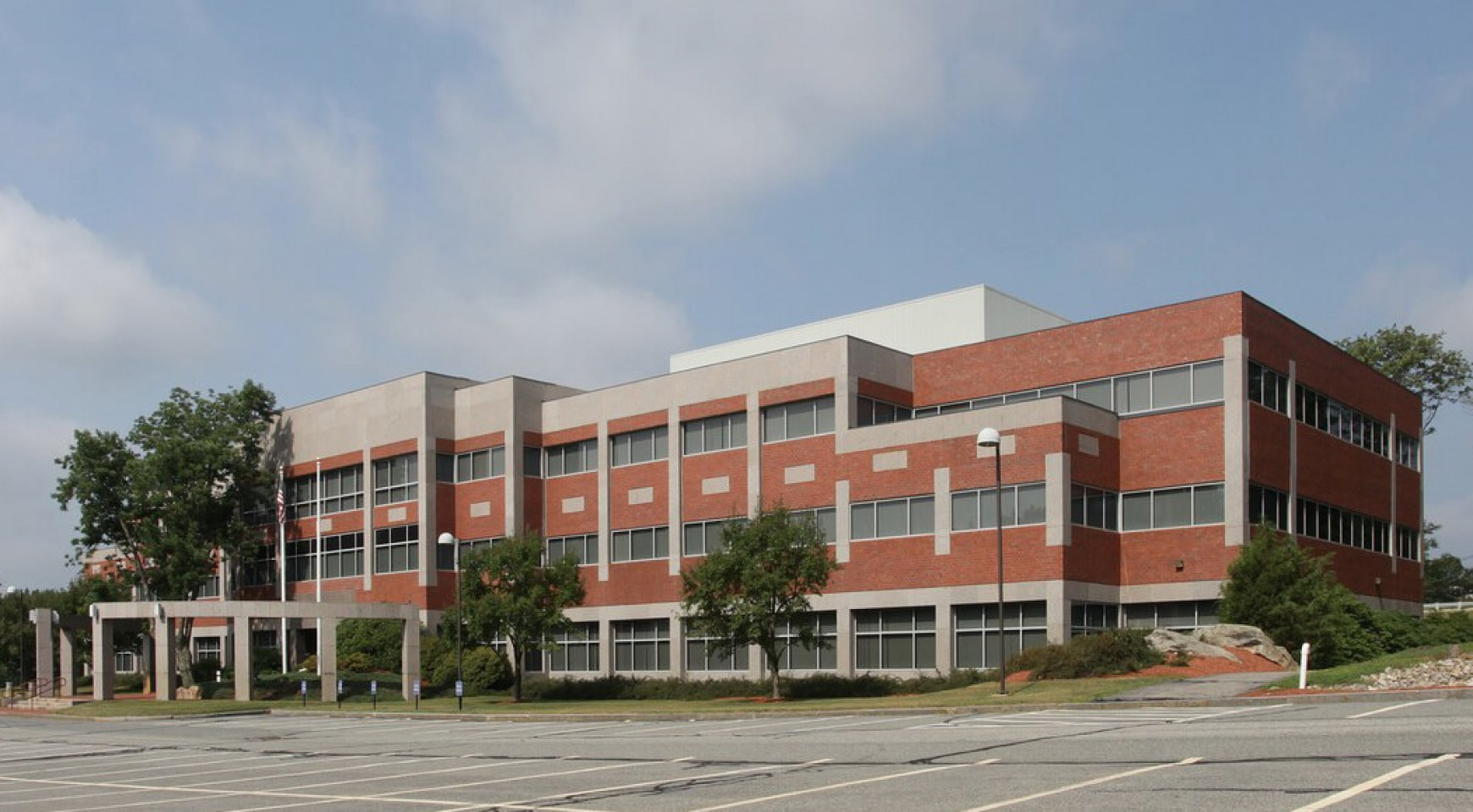 Commercial Office Space Avail At 50 Washington St